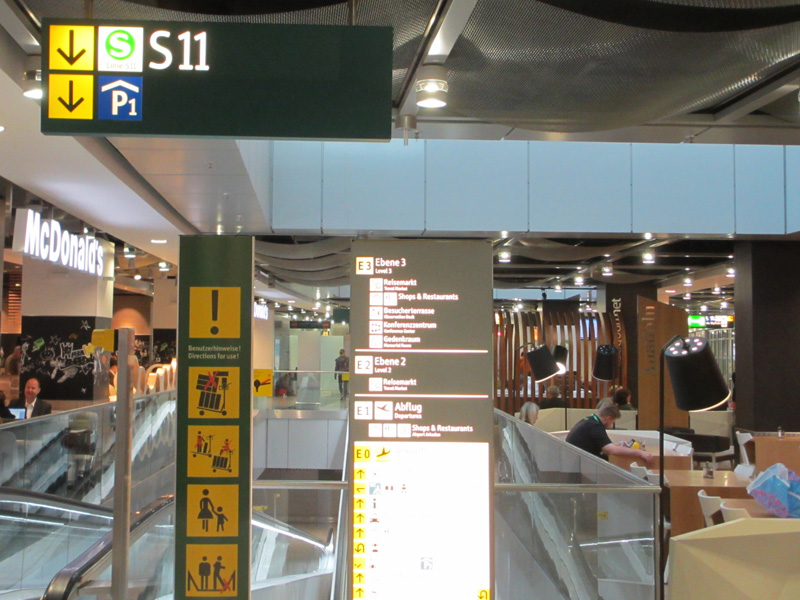 how to get from dusseldorf airport to train station