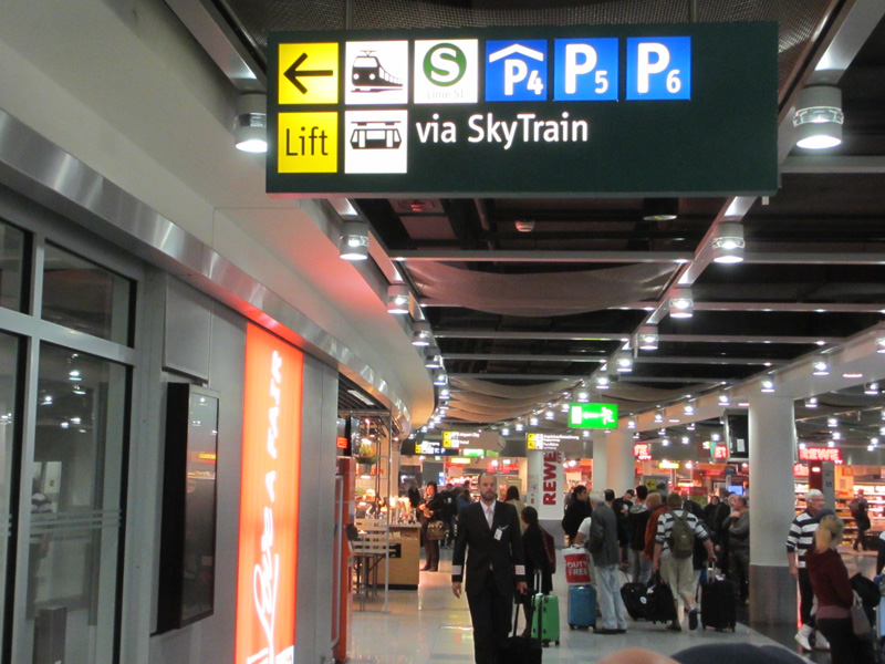 Arriving At D 252 Sseldorf Airport How To Master The Train